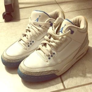 Air Jordans basketball shoes blue and white